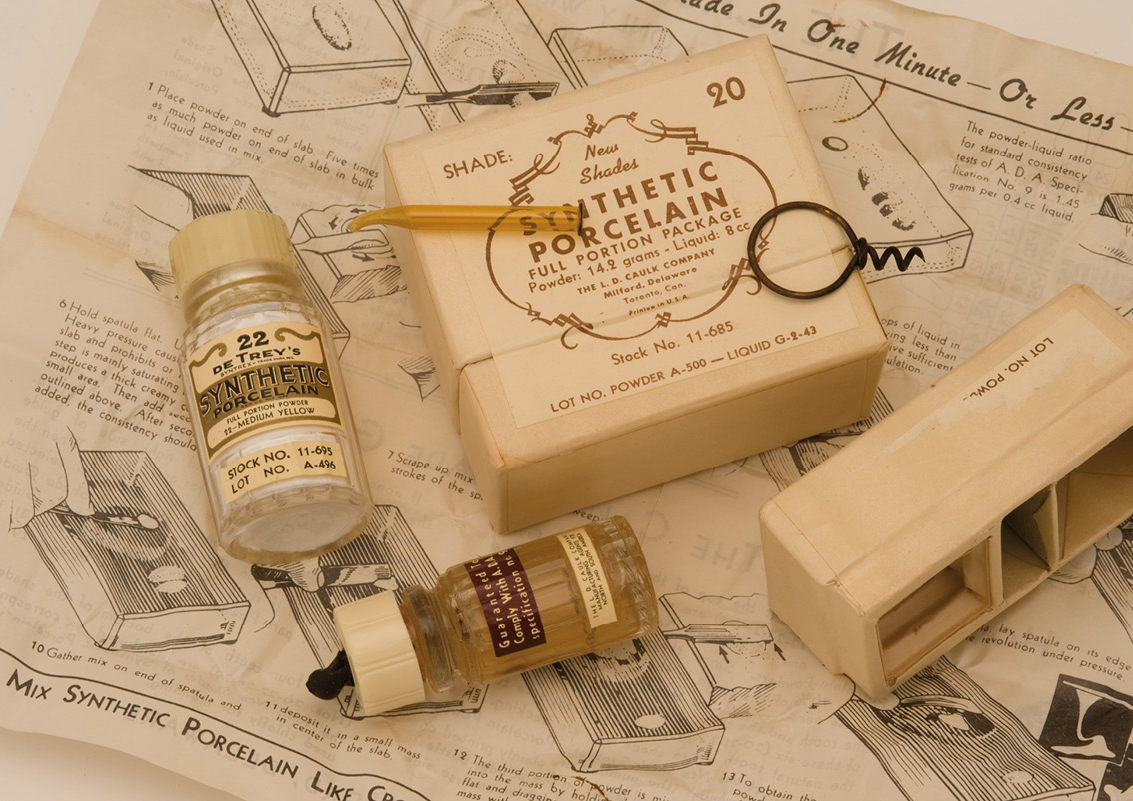 De Trey's Synthetic Porcelain Powder kit (circa 1930)